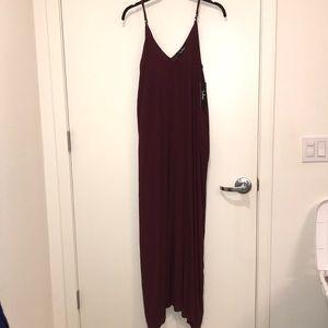 Never worn Lulus maxi dress